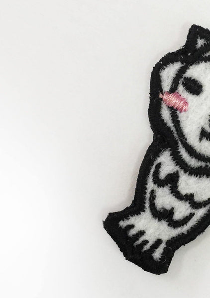 EMBROIDERED MERLION PATCH ON - SALIENT LABEL
