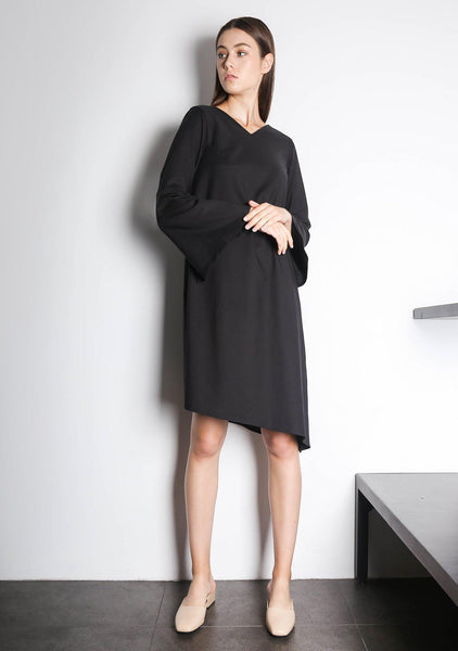 Qarina Asymmetric Slit Sleeves Dress in Black