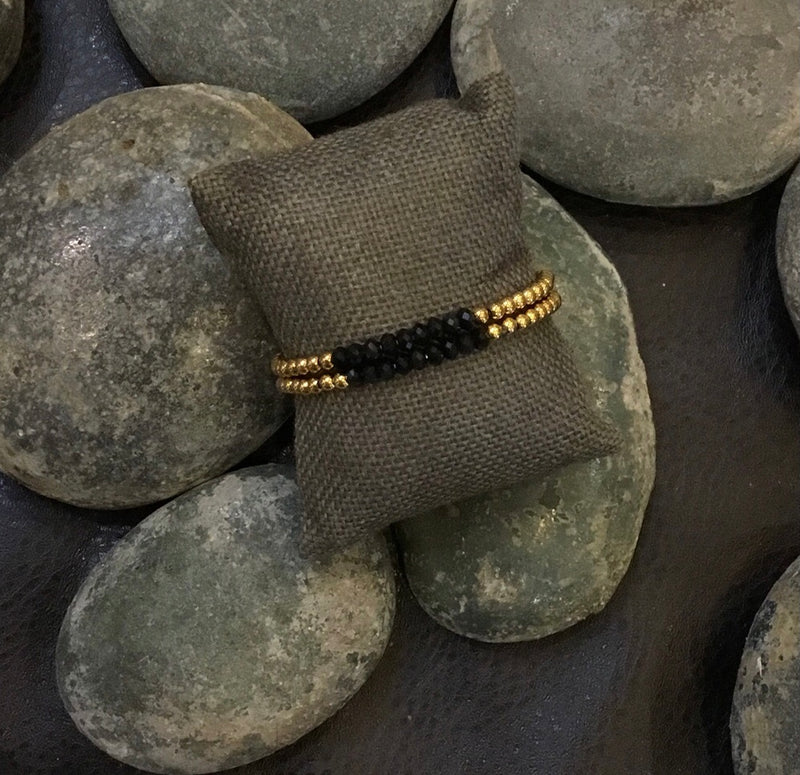 GOLD & BLACK BEAD BRACELET