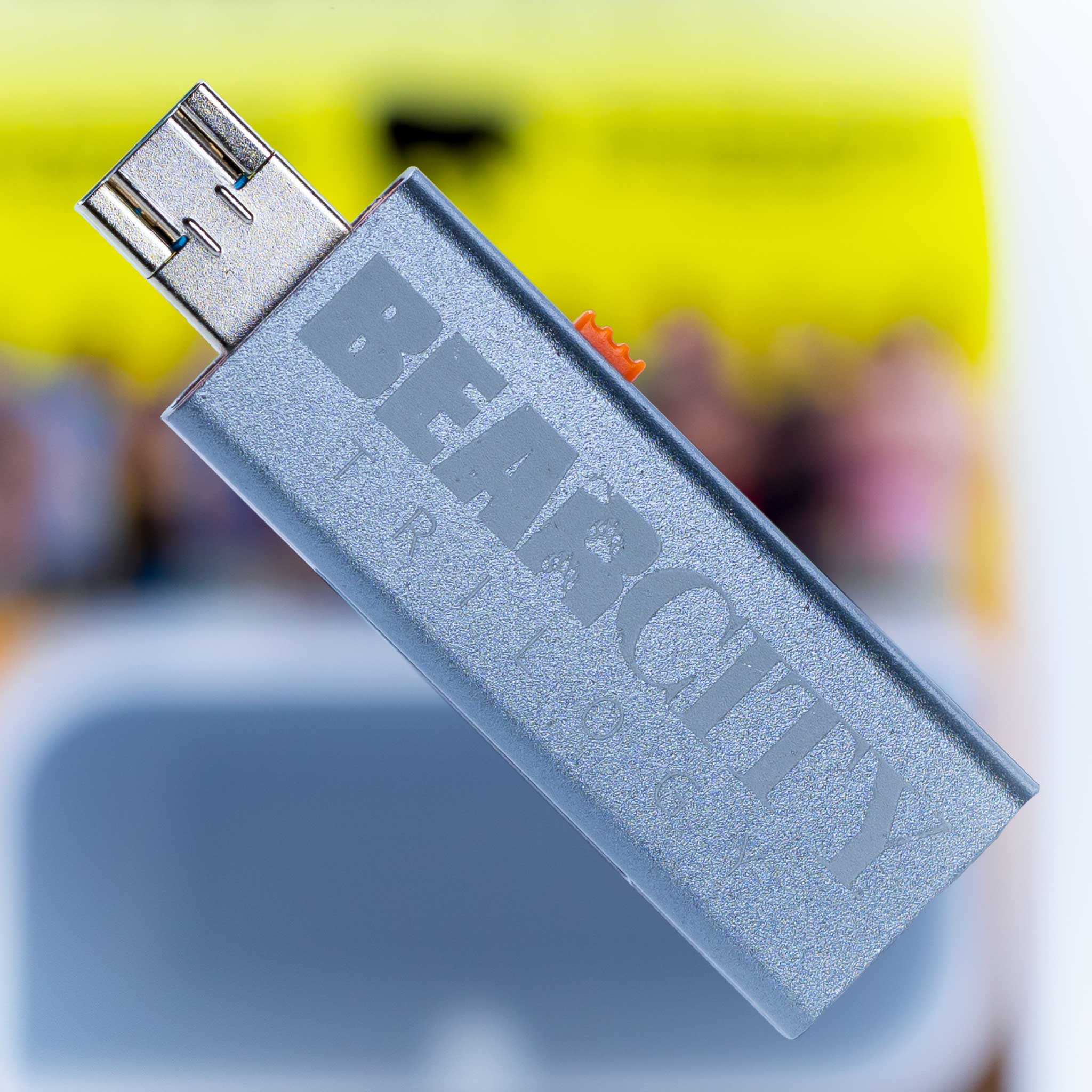 3-in-1 USB FLASH DRIVE! TV, Mobile & Tablet.