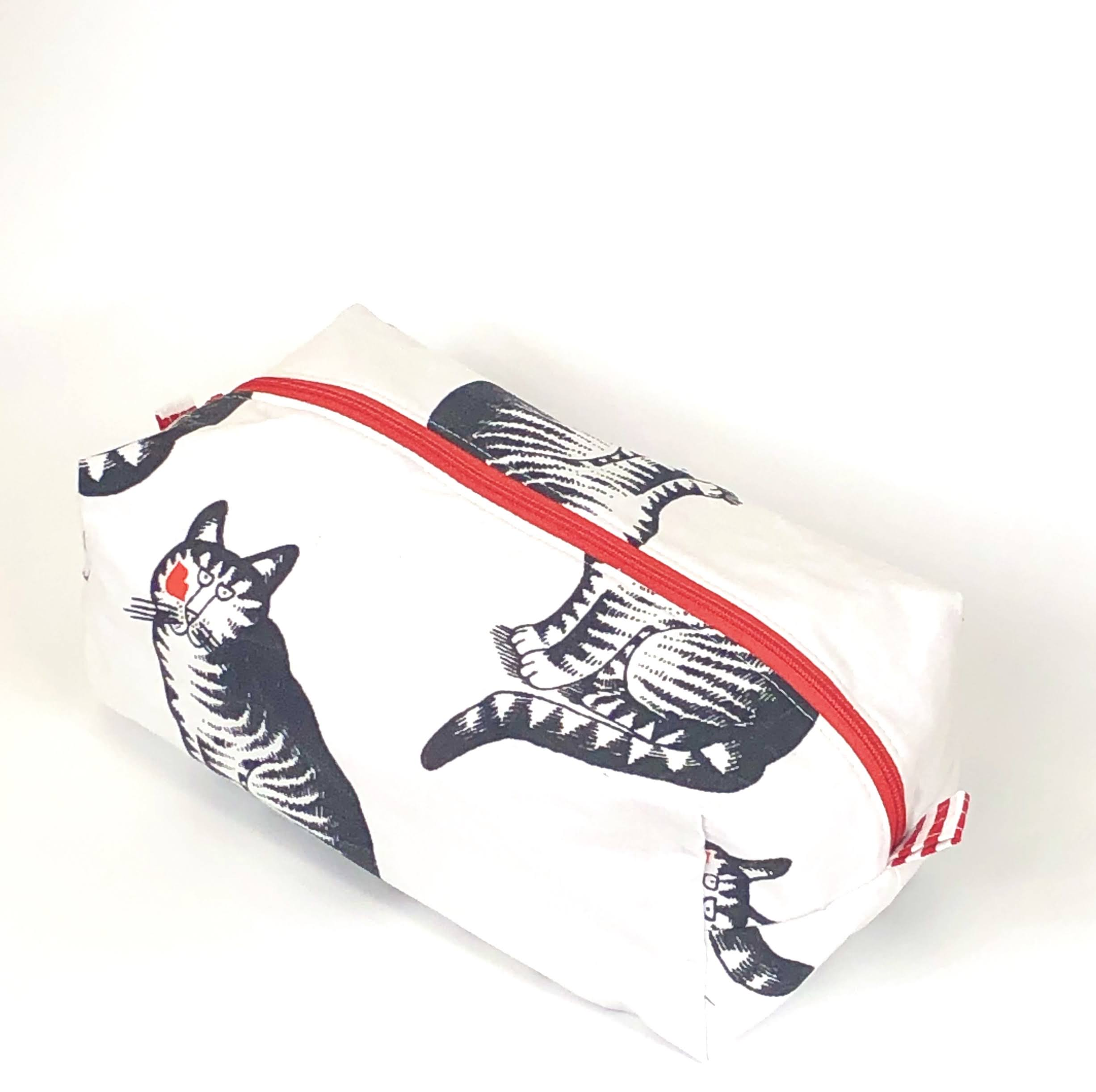 Cosmetic Bag: Kilban Cat - Sitting Pretty - Original Vintage 1980 fabric!