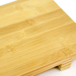 Bamboo Sushi Geta plates are typically used to serve sushi. You can also use them to serve sashimi, hors d'oeuvres or desserts.