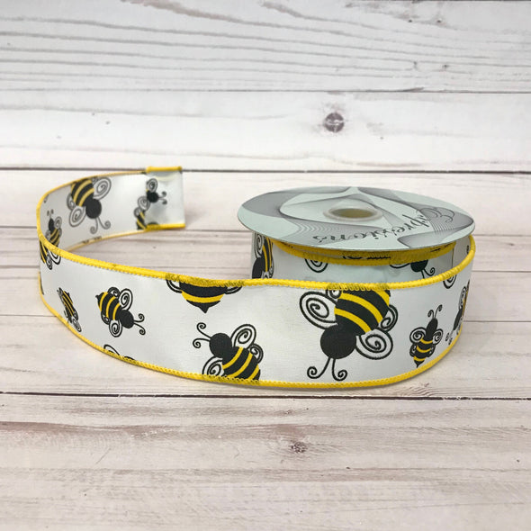 Bumblebee on White Background Wired Ribbon