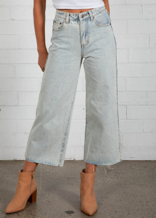 Duran Wide Leg Jeans - Faded Blue