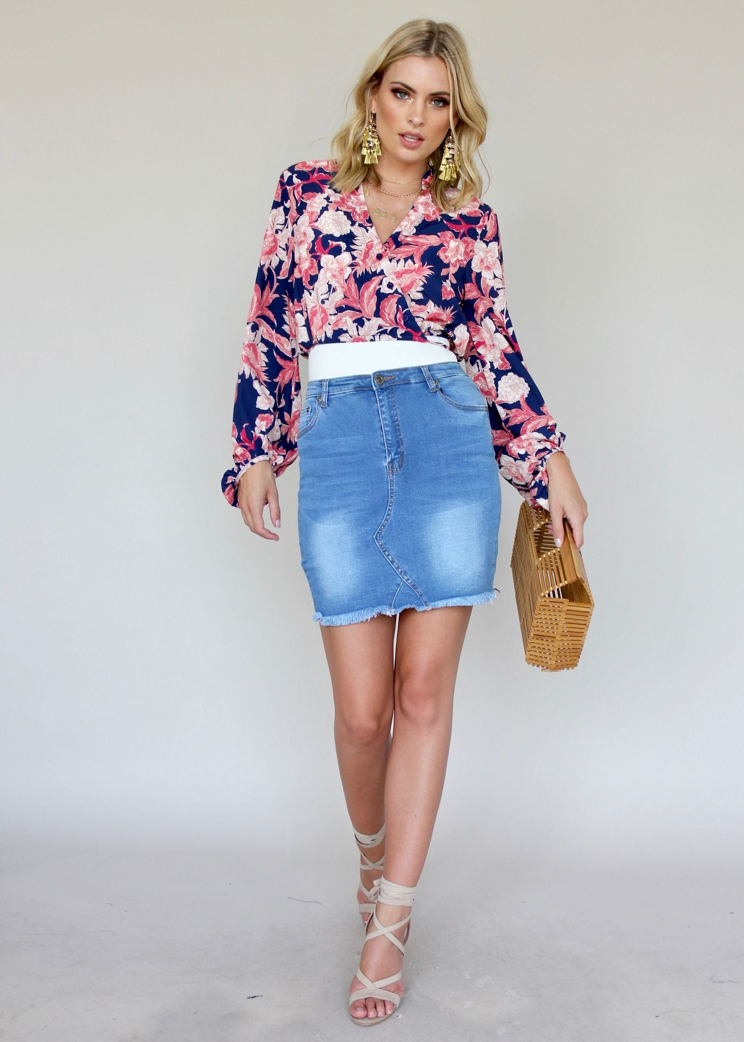Sleevin' Around Blouse - Navy Bloom