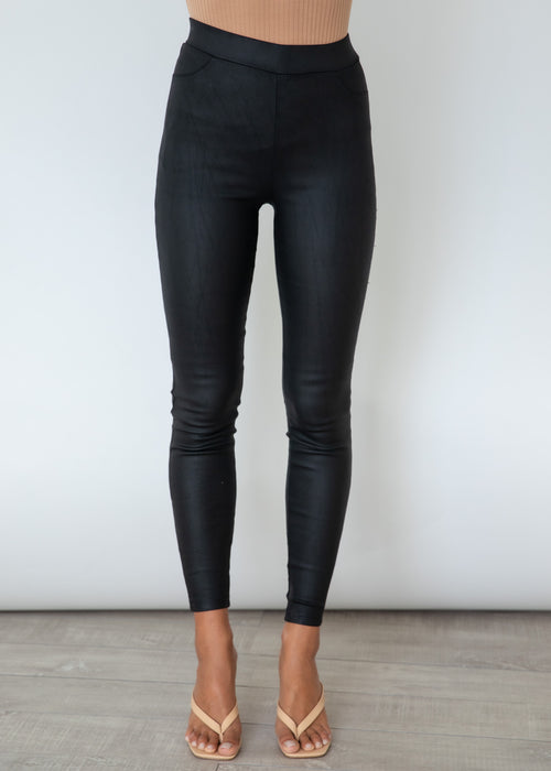 Jessy Coated Stretch Pants - Black
