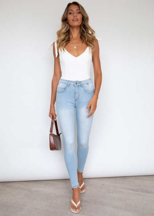 Aemilia Booty Shaper Jeans - Light Blue