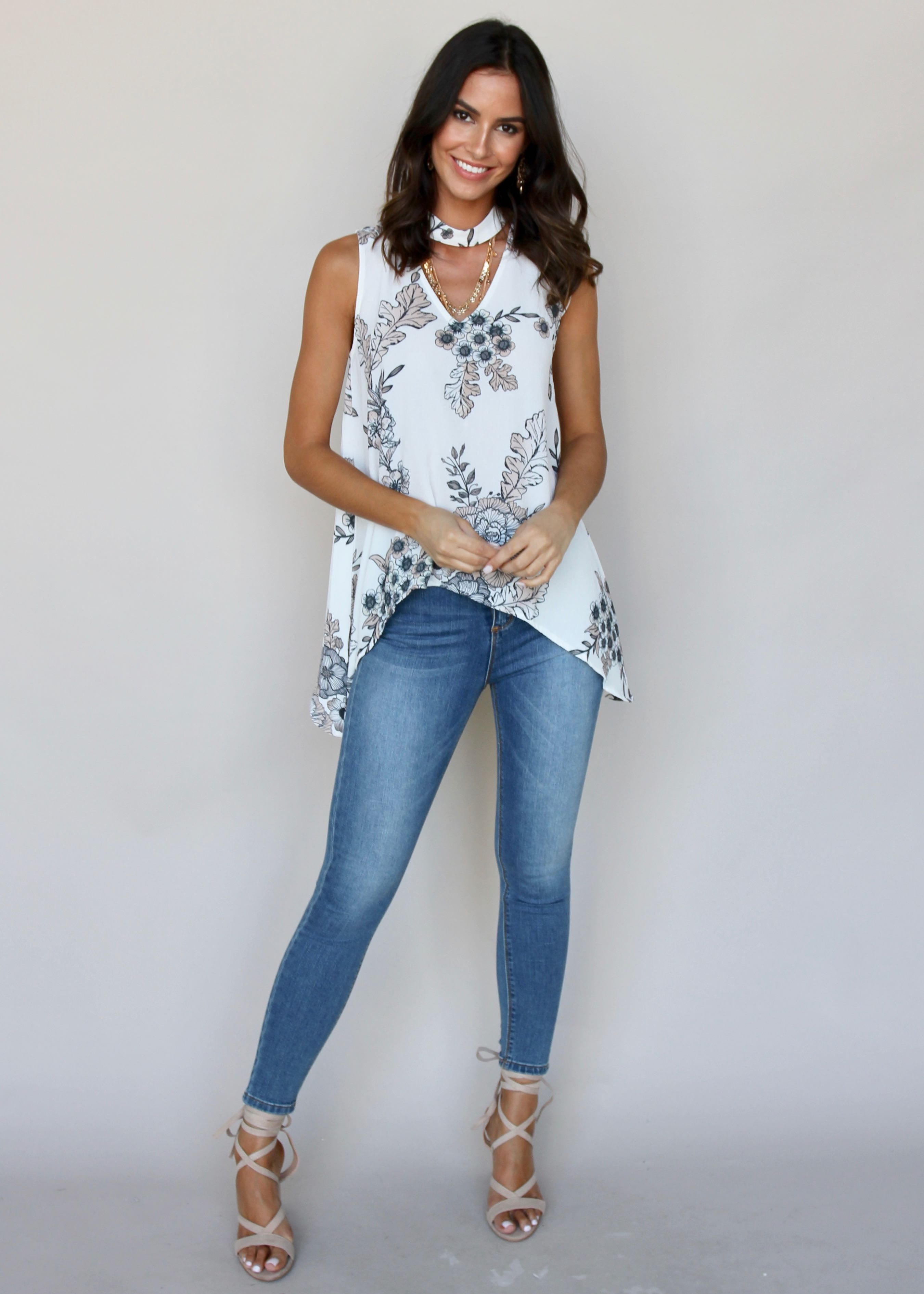 Sway In Choker Top - White Leaf