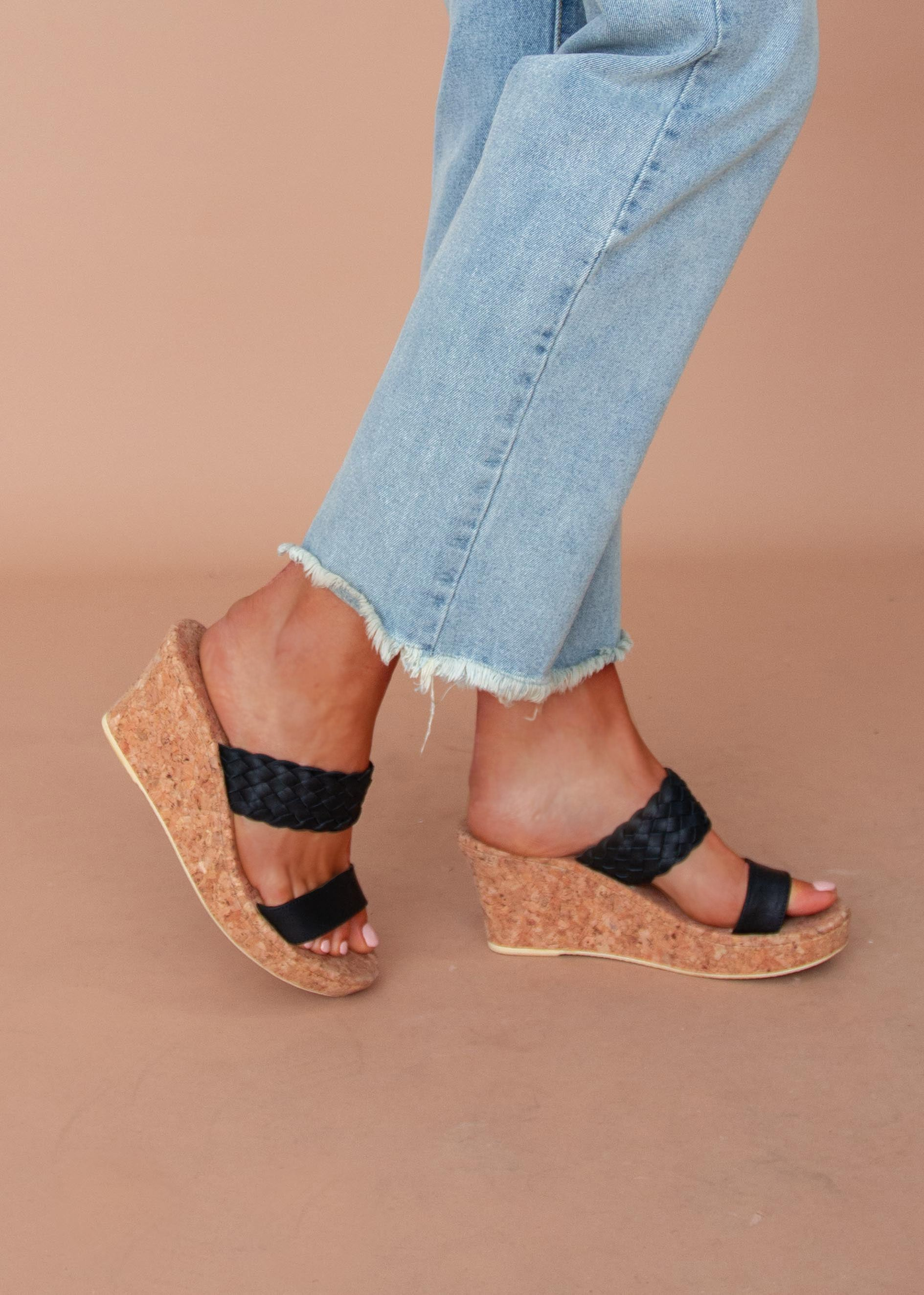 Amaya Wedge - Black