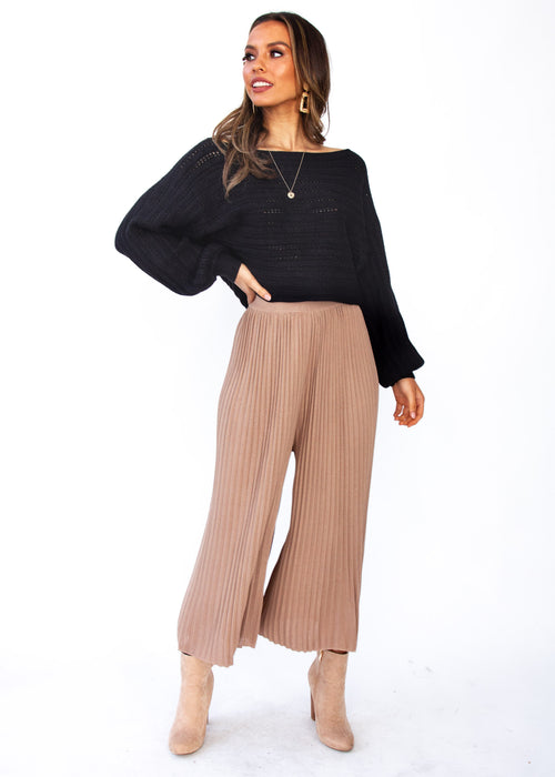 Sleep Talking Cropped Sweater - Black