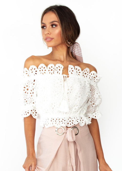 Women's Eves Lace Off The Shoulder Crop - White