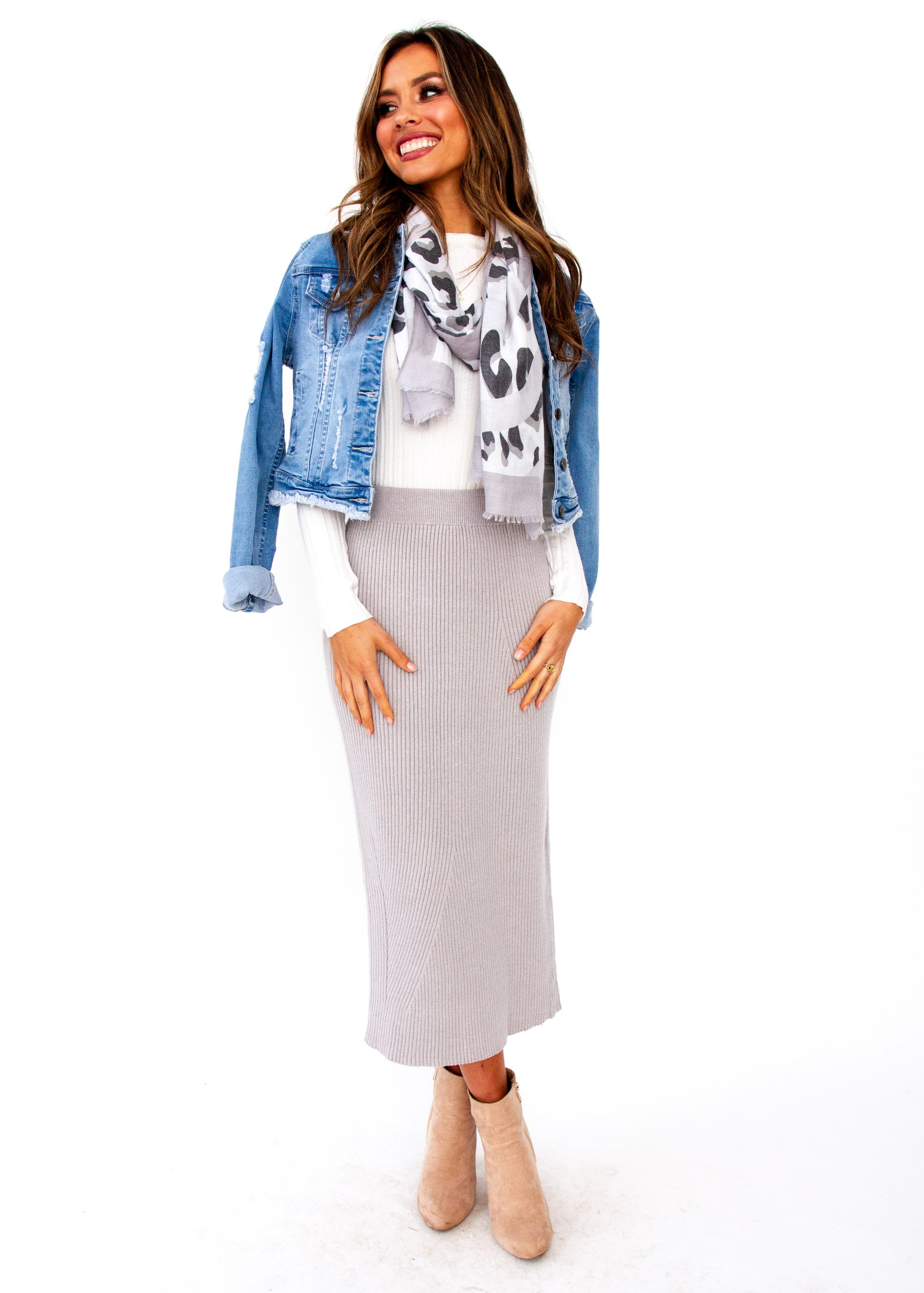 4d28cd0894 Montana Knit Midi Skirt - Grey – Gingham and Heels
