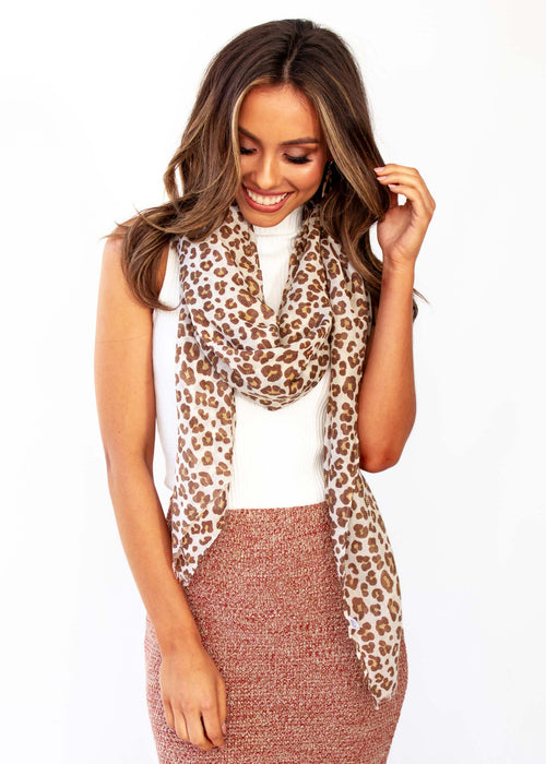 Love Slow Scarf - Tan Leopard