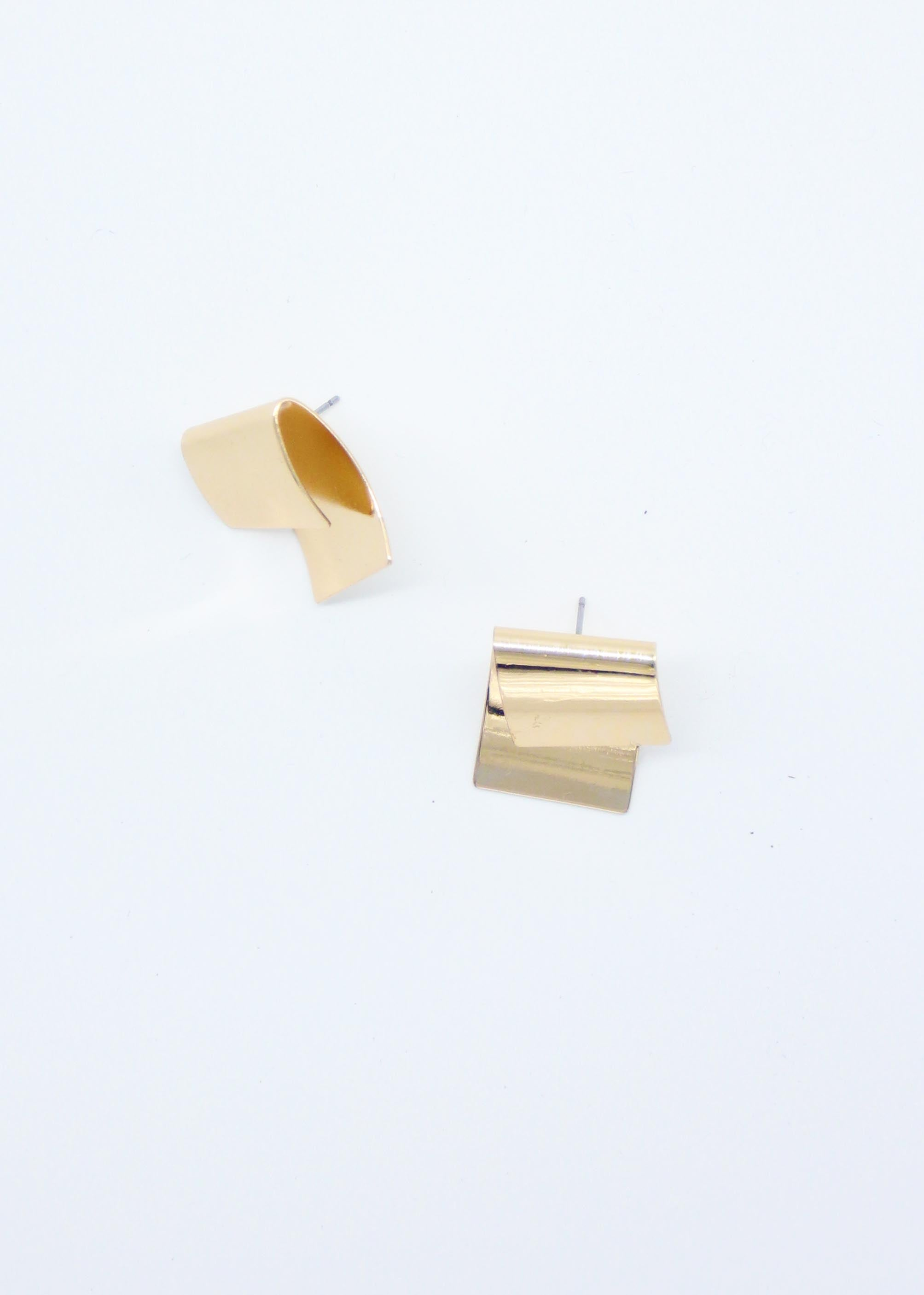 Stella Folded Earrings - Gold