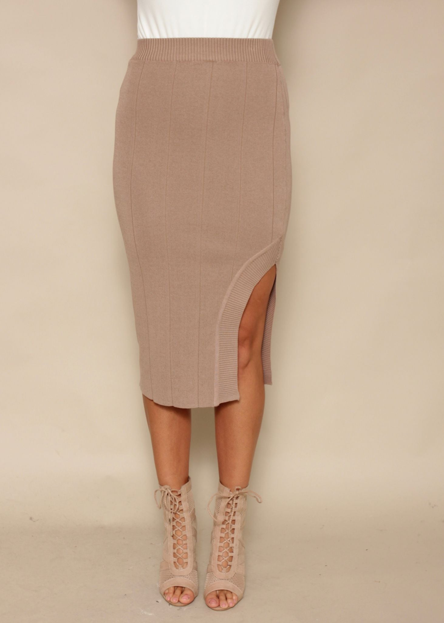 Fine Line Knit Skirt - Nude