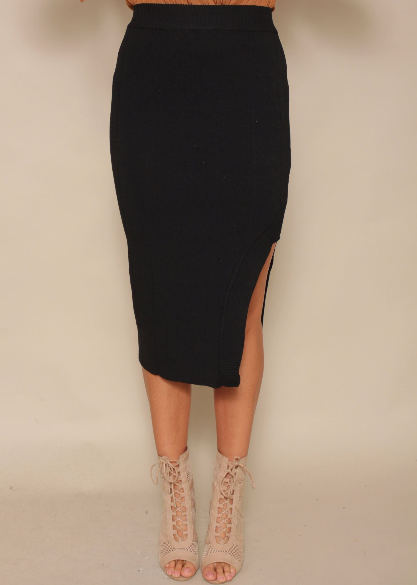 Fine Line Knit Skirt - Black