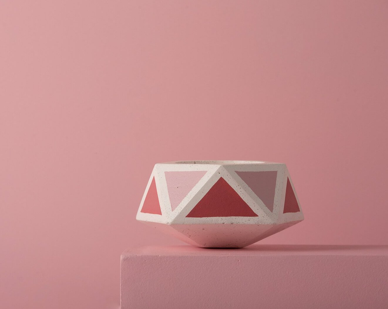 Concrete Floater Planter - Pink Invertrix Collection - Eliteearth