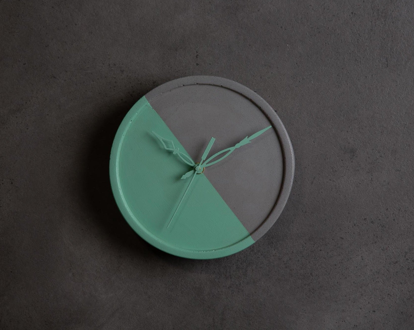 Concrete Medi Moon Clock-