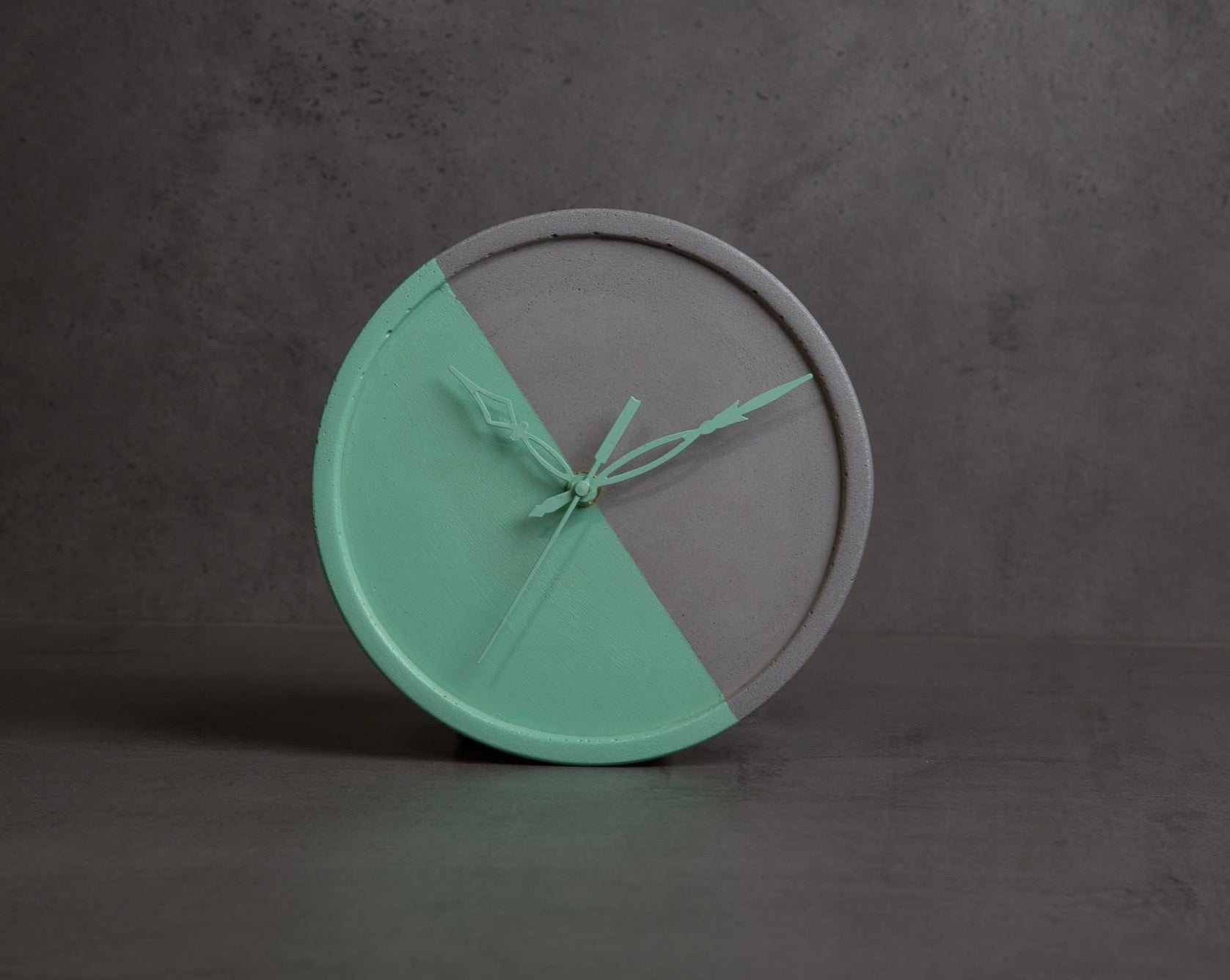 "Concrete Medi Moon Clock-""Cherish "" Asian Paints Colour of the year 2021 Collection-Eliteearth"
