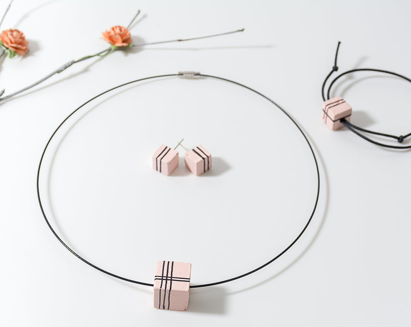 Peach Handpainted concrete chord Necklace ,Bracelet and Earing Set - Eliteearth