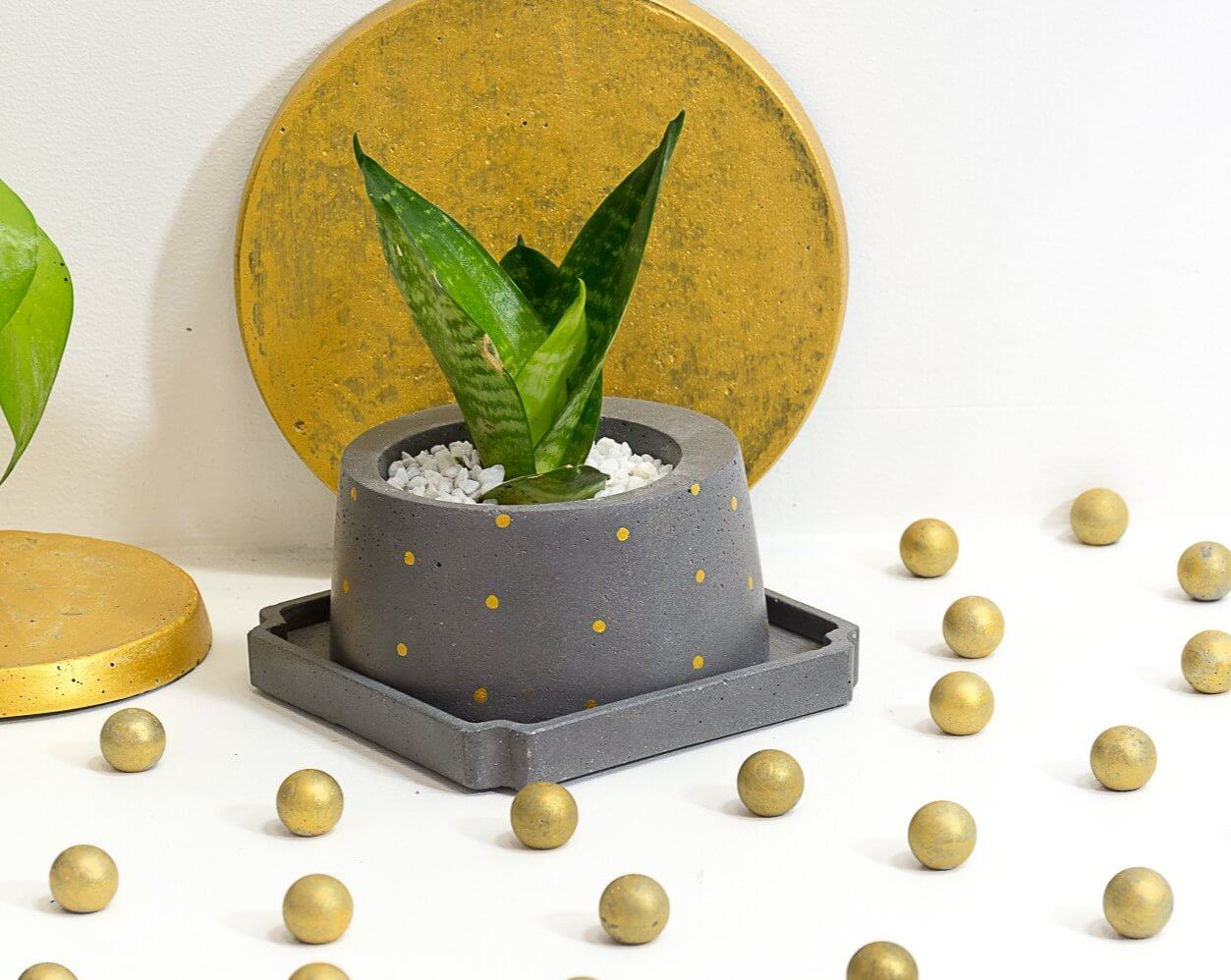 Concrete Cracker Barrel Planter - Shades of Grey - Eliteearth