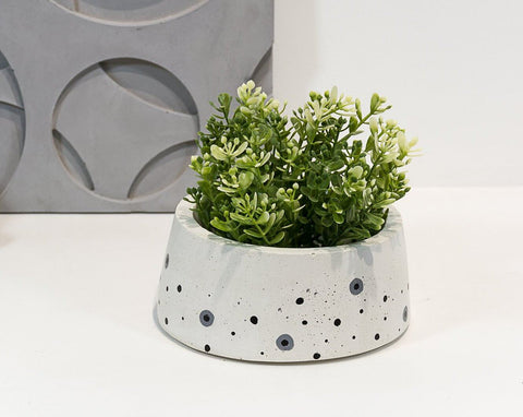 Concrete Shorty Cavern Planter - Eclipse Collection - Eliteearth