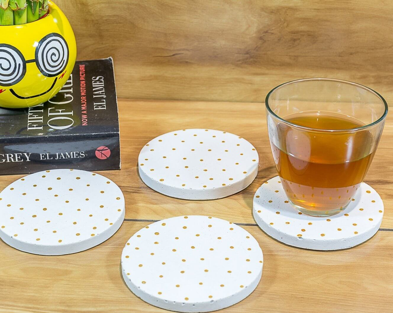 Concrete Round Coasters White - Polka Collection - Eliteearth