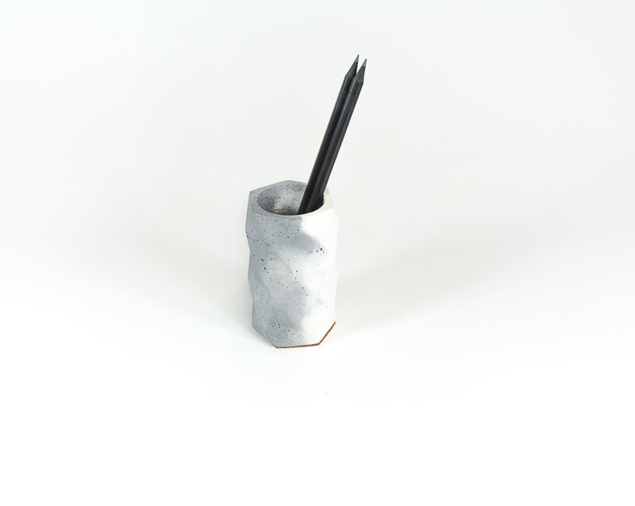 Concrete Tryst with Triangle  Penstand-Dual Tone Collection - Eliteearth