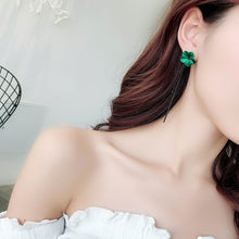 Load image into Gallery viewer, Earrings with Green Flower Tassels Retro Temperament Long Ear Style Ear Pendant for Woman