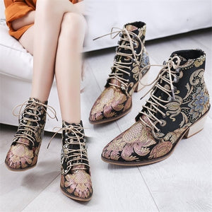 Women Ankle Boots Vintage Exquisite Embroidery Chunky high Heel Pointed Toe Lace Up Shoes Womens Motorcycle Boots Autumn Winter Woman Distressed Shoes Bottine Femme