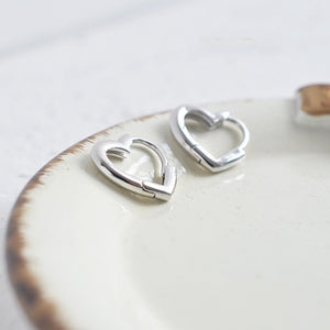 Women Cute Simple 925 Sterling Silver Heart Shaped Hoop Earrings