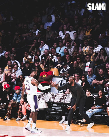 Lebron James & Kobe Shake Hands At The Staples Centre
