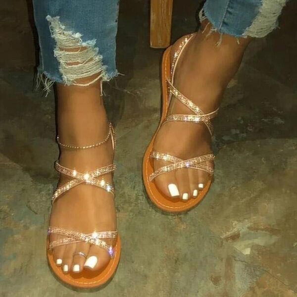 Quick sale of popular sandals at independent stations summer European and American water drill women's sandals large foreign trade flat shoes
