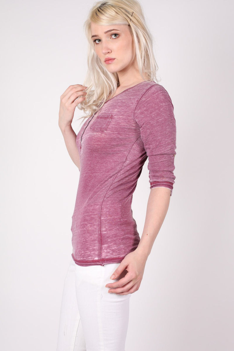 3/4 Sleeve Buttoned Scoop Neck Top in Burgundy Red MODEL SIDE