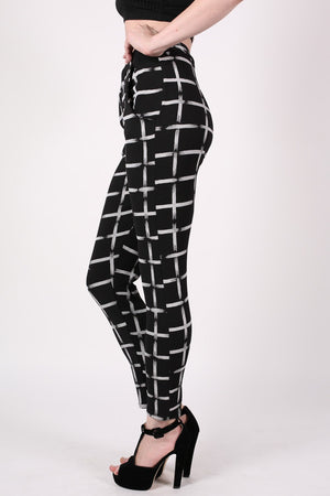 Check Print Jeggings in Black MODEL SIDE