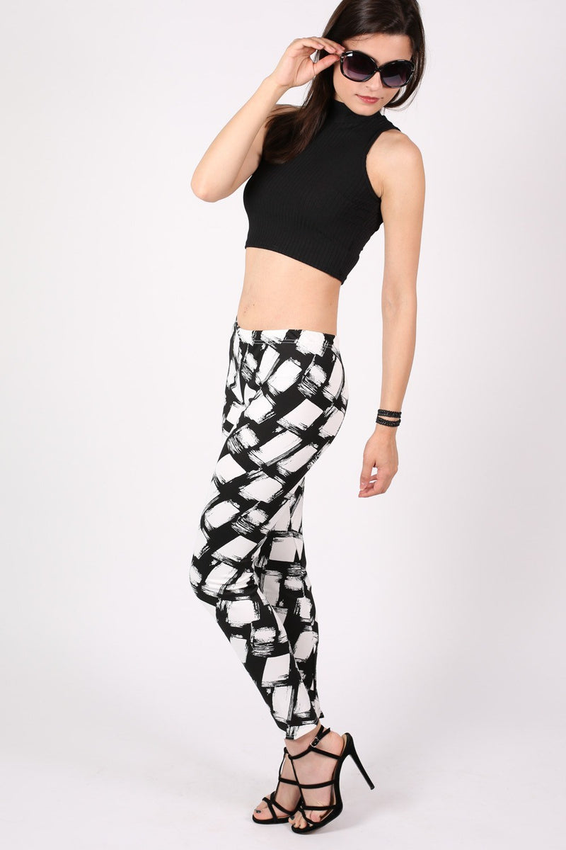Abstract Check Print Leggings in Black MODEL SIDE 2