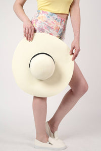 Wide Brim Straw Floppy Hat in Cream 3