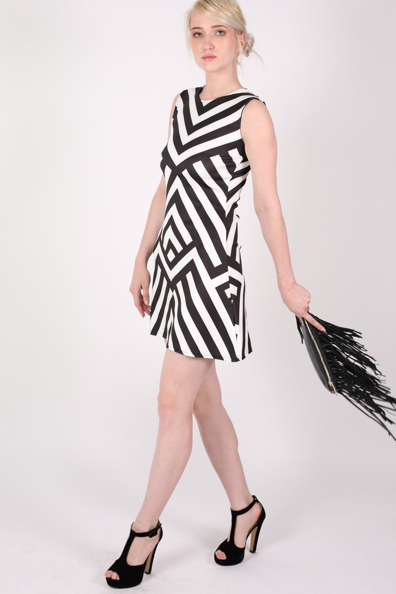 Geometric Stripe Sleeveless Fit And Flare Dress in Black MODEL SIDE