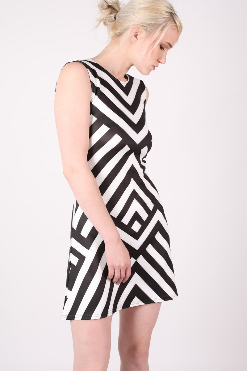 Geometric Stripe Sleeveless Fit And Flare Dress in Black MODEL SIDE 2
