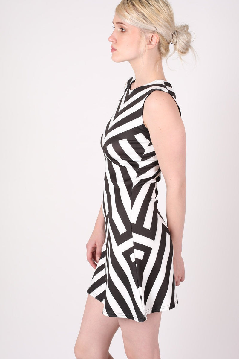 Geometric Stripe Sleeveless Fit And Flare Dress in Black MODEL SIDE 3