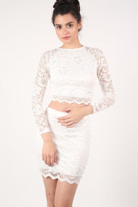 Scallop Edge Lace Mini Skirt in Cream 0