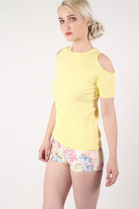 Cold Shoulder Ribbed Top in Yellow MODEL SIDE