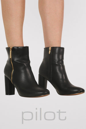 Mid Heel Ankle Boots in Black 0