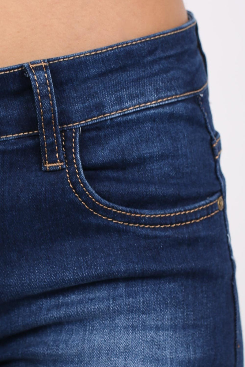 Dark Wash Skinny Jeans in Dark Denim 2