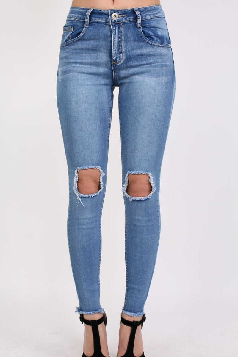 Frayed Hem Ripped Open Knee Skinny Jeans in Light Denim 1