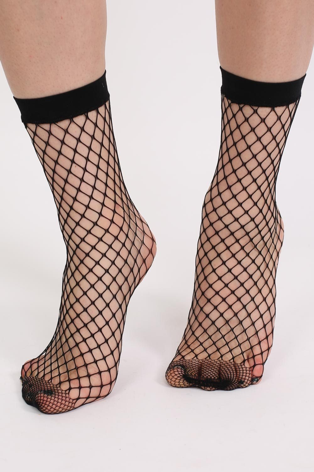 Fishnet Ankle Socks in Black 0