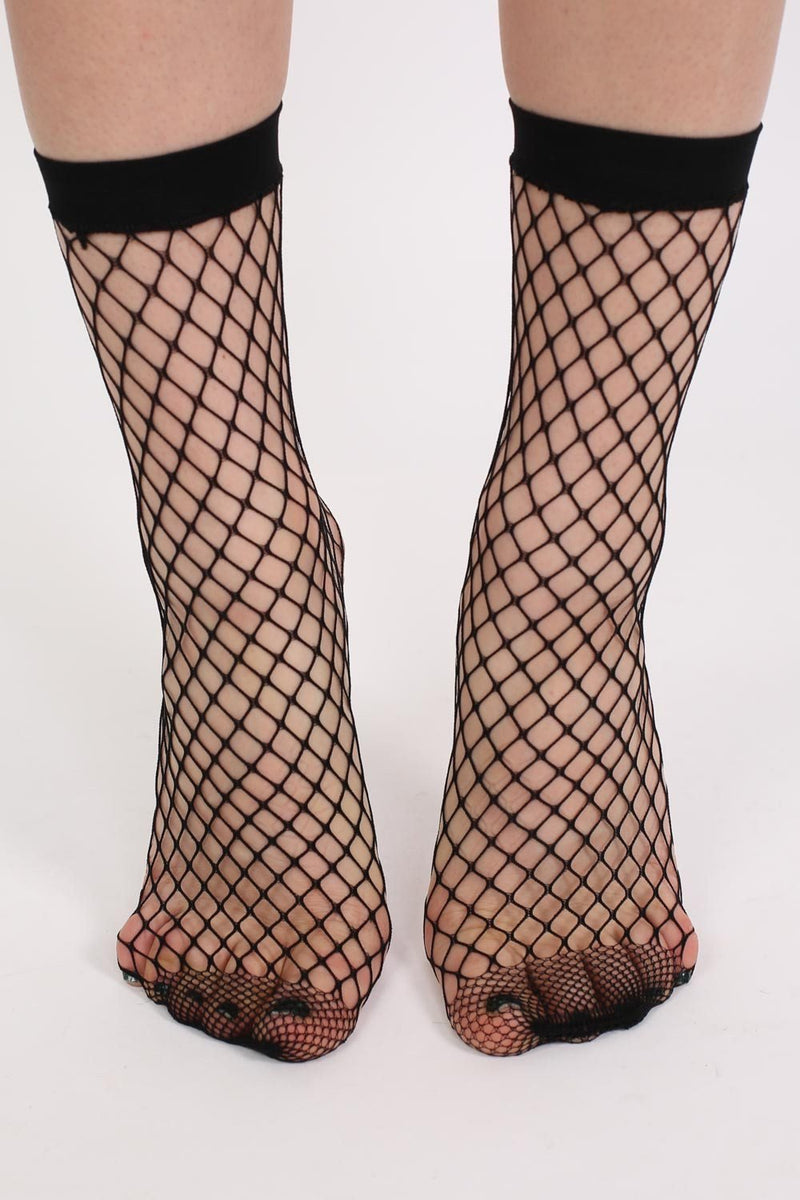Fishnet Ankle Socks in Black 1