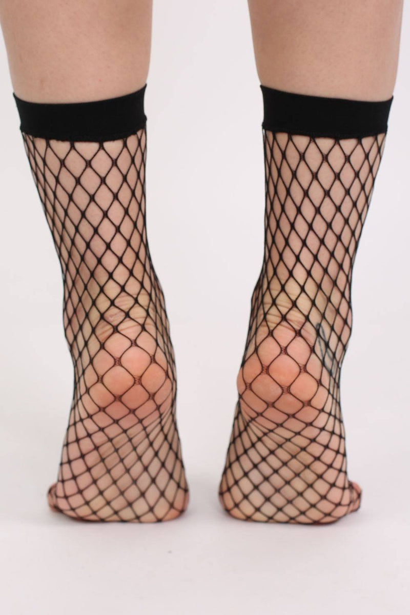 Fishnet Ankle Socks in Black 2