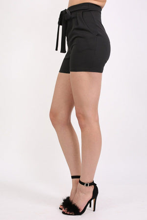 Self Belt Plain Shorts in Black 2