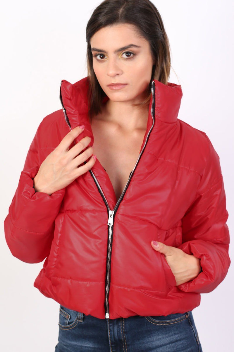 Cropped Puffer Jacket in Red 0